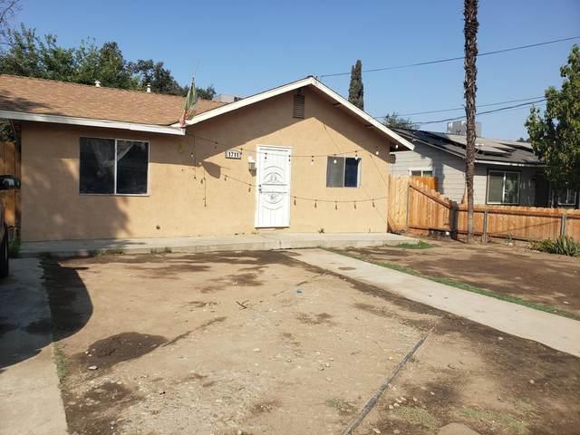 1711 N Bridge Street, Visalia, CA 93291 (#213440) :: Martinez Team