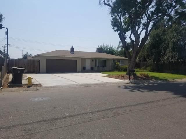 2401 E Sunset Avenue, Tulare, CA 93274 (#213452) :: The Jillian Bos Team