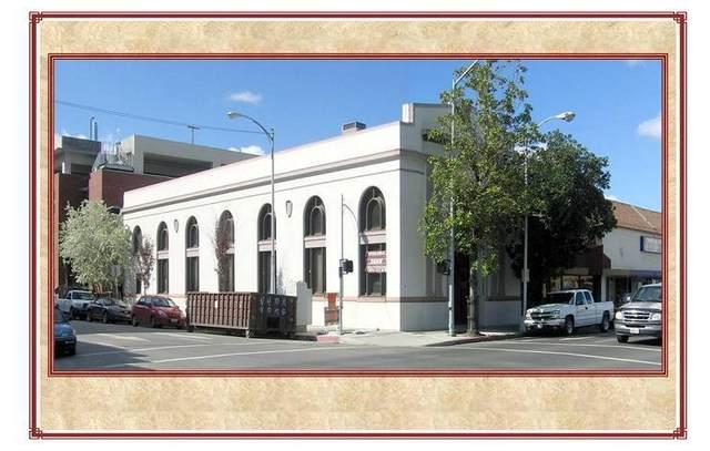 119 S Locust Street, Visalia, CA 93291 (#213510) :: Martinez Team