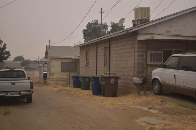 235 Pomegranate Street, Woodlake, CA 93286 (#213531) :: Martinez Team