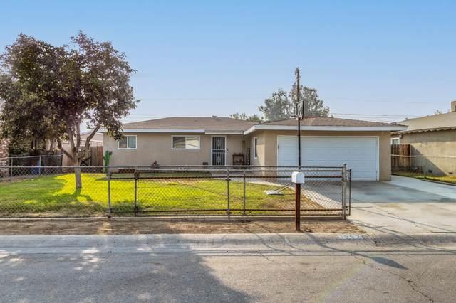 1567 S Spruce Street, Tulare, CA 93274 (#213534) :: Martinez Team