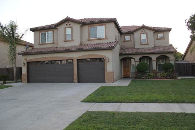 2204 N Riesling Avenue, Hanford, CA 93230 (#213542) :: Martinez Team