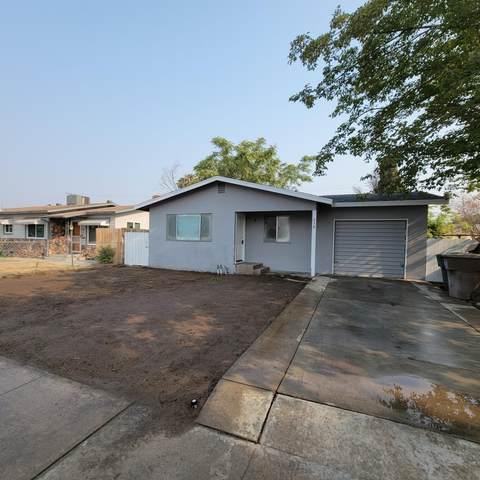 638 W Elm Avenue, Tulare, CA 93274 (#213548) :: The Jillian Bos Team