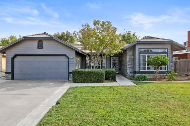 1633 E Atkins Avenue, Visalia, CA 93292 (#213598) :: Martinez Team