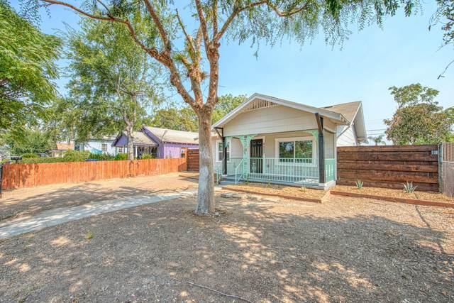 2523 S 9th Street, Fresno, CA 93725 (#213605) :: Martinez Team
