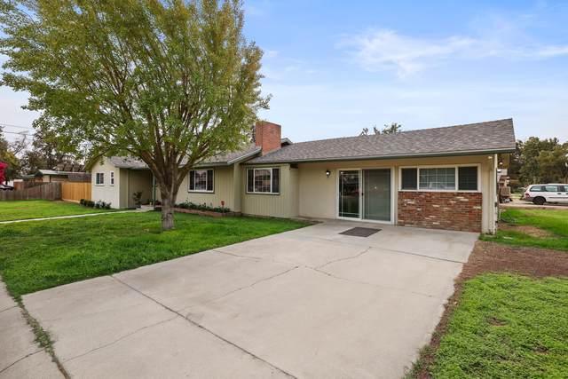1515 S Grant Street, Visalia, CA 93277 (#213628) :: Martinez Team