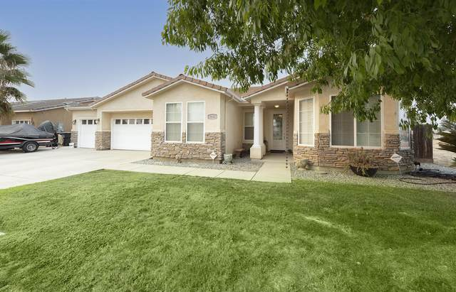 3442 E Grove Avenue, Visalia, CA 93292 (#213741) :: The Jillian Bos Team