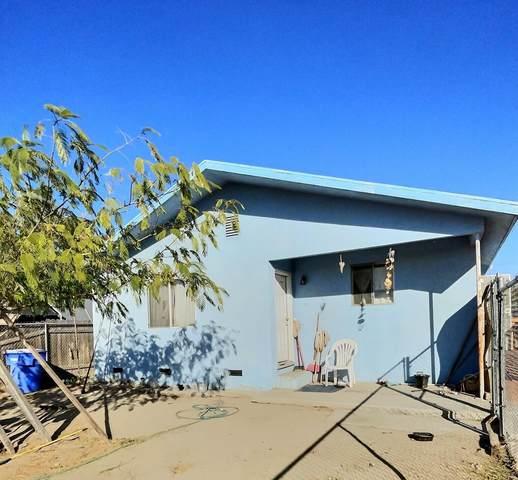 1811 N 10th Avenue, Hanford, CA 93230 (#213945) :: The Jillian Bos Team