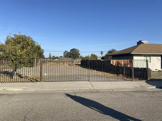 1231 Branum Avenue, Corcoran, CA 93212 (#214000) :: Martinez Team