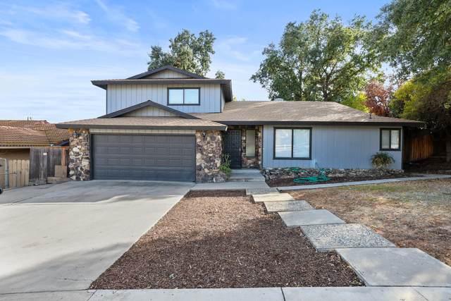 91 W Mulberry Avenue, Porterville, CA 93257 (#214056) :: Robyn Icenhower & Associates