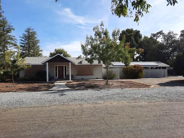 422 N Atwood Street, Visalia, CA 93291 (#214058) :: Martinez Team