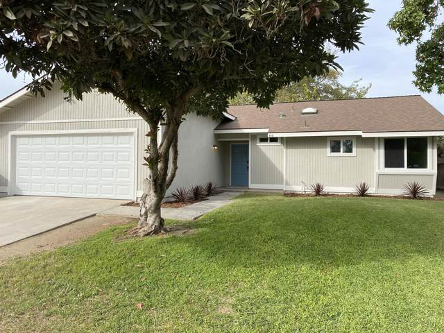 438 W Stadium Avenue, Tulare, CA 93274 (#214084) :: Robyn Icenhower & Associates