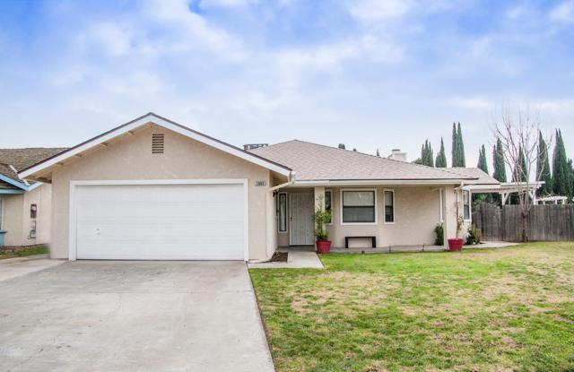1065 Oakdale Lane, Lemoore, CA 93245 (#134639) :: The Jillian Bos Team