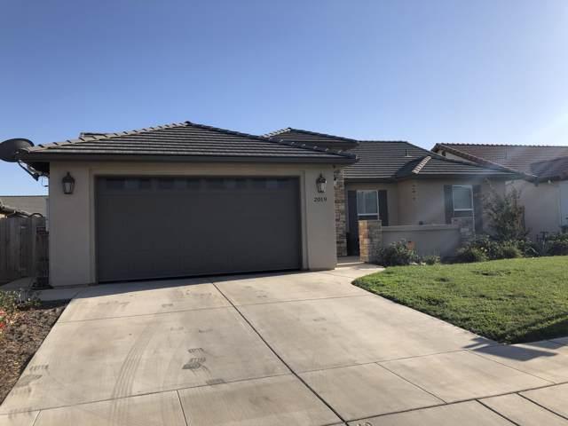 2019 E Walnut Avenue, Tulare, CA 93274 (#200297) :: The Jillian Bos Team