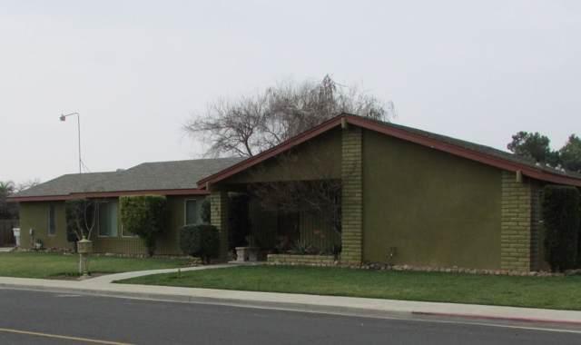 1067 N Cedar Lane, Dinuba, CA 93618 (#202772) :: Martinez Team