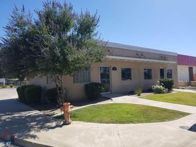 2129 E Tulare Avenue, Tulare, CA 93274 (#205244) :: Martinez Team