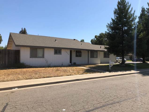 1935 W Robin Avenue, Visalia, CA 93291 (#206093) :: Anderson Real Estate Group