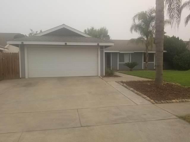 425 W Allstar Avenue, Tulare, CA 93274 (#206400) :: Martinez Team