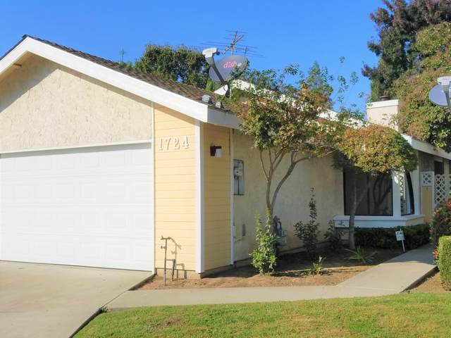 1724 E Vine Court, Visalia, CA 93292 (#206902) :: The Jillian Bos Team