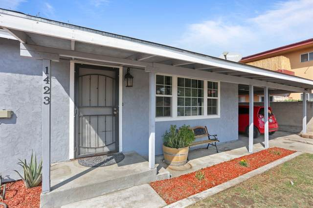 1423 S Central Street, Visalia, CA 93277 (#207006) :: The Jillian Bos Team