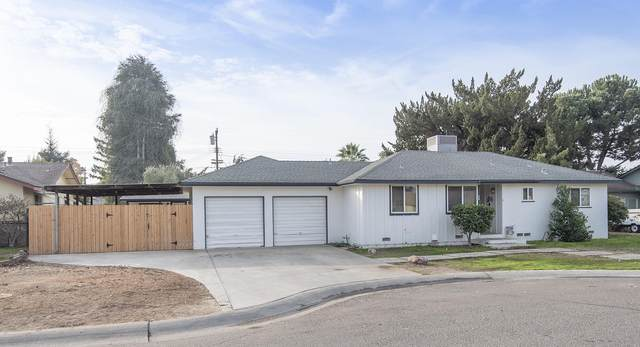 607 W Feemster Avenue, Visalia, CA 93277 (#208403) :: The Jillian Bos Team