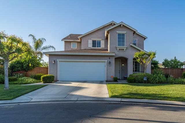 3102 Brickfield Avenue, Tulare, CA 93274 (#210496) :: The Jillian Bos Team