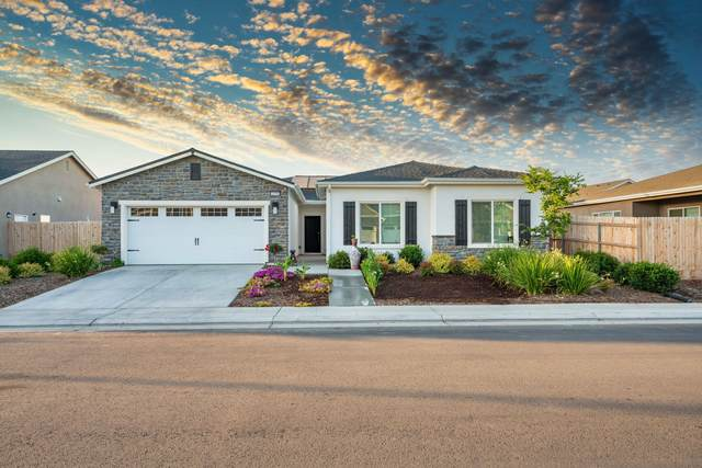 1818 Softwind Drive, Tulare, CA 93274 (#210520) :: The Jillian Bos Team
