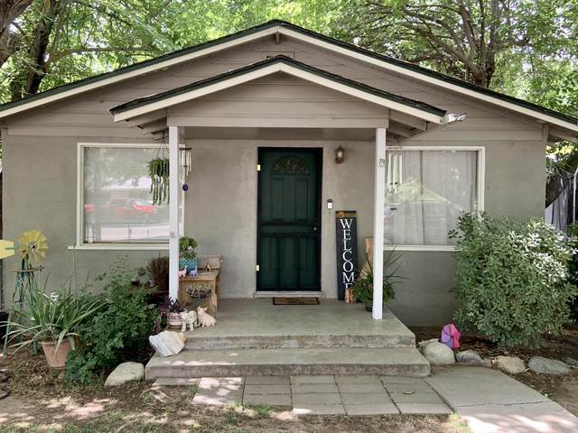 35504 Tule River Drive Drive, Springville, CA 93265 (#211248) :: Martinez Team