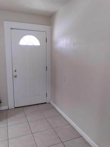 3630 W College Avenue, Visalia, CA 93277 (#211496) :: Robyn Icenhower & Associates