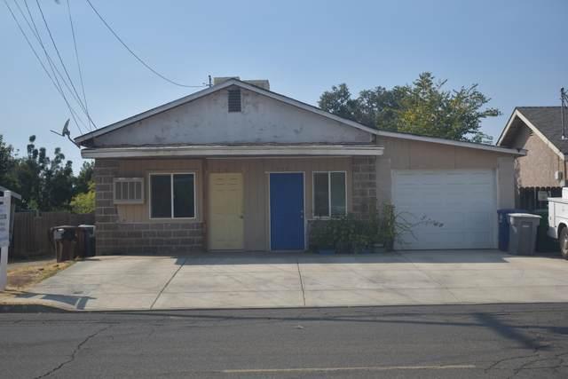 235 Pomegranate Street, Woodlake, CA 93286 (#213531) :: Robyn Icenhower & Associates