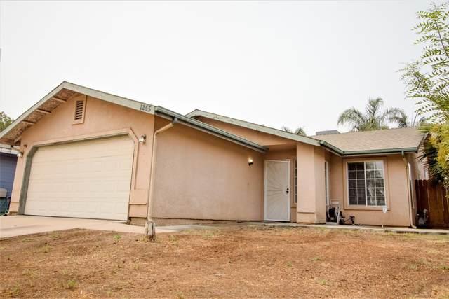1255 Deer Creek Street, Tulare, CA 93274 (#205990) :: Martinez Team