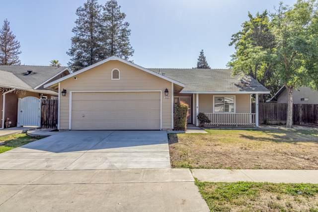 640 San Diego Street, Tulare, CA 93274 (#210701) :: The Jillian Bos Team
