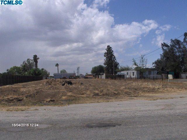 0 James Avenue, Corcoran, CA 93212 (#122766) :: Robyn Graham & Associates