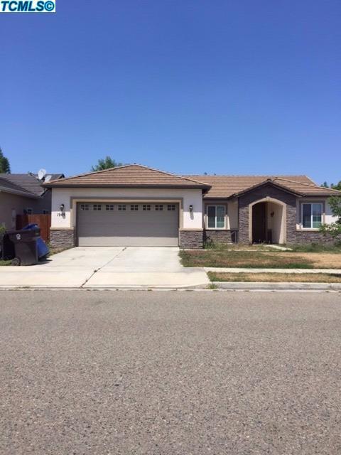 1949 Monsecco Street, Tulare, CA 93274 (#130822) :: The Jillian Bos Team