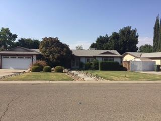 3600 W Pryor Avenue W, Visalia, CA 93277 (#132712) :: The Jillian Bos Team