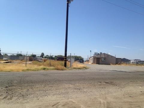 316 Otis Avenue, Corcoran, CA 93212 (#133260) :: The Jillian Bos Team