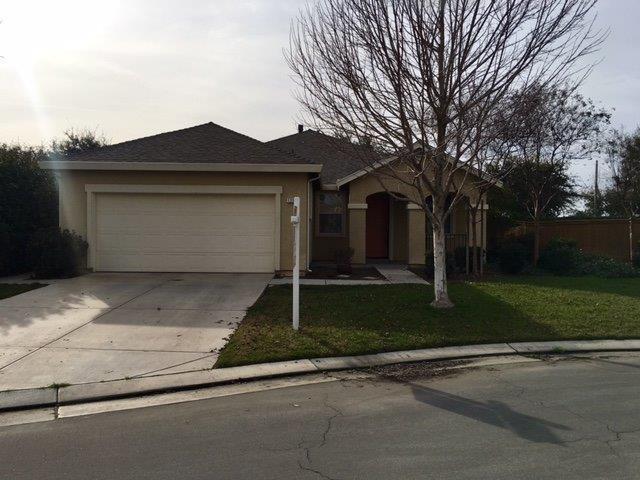 1223 Windsong Drive, Tulare, CA 93274 (#135784) :: The Jillian Bos Team