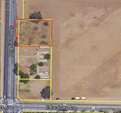 920 S Mooney Boulevard, Tulare, CA 93274 (#135932) :: The Jillian Bos Team