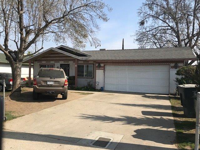 2020 N Giddings Street, Visalia, CA 93291 (#136209) :: The Jillian Bos Team
