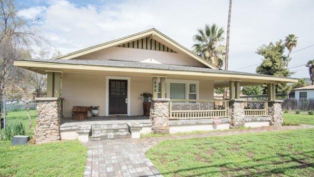 496 E Putnam Avenue, Porterville, CA 93257 (#137062) :: Robyn Graham & Associates
