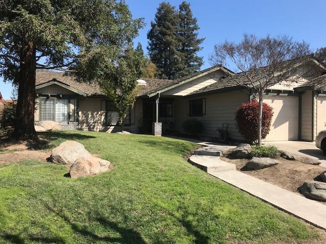 598 Coral Street, Tulare, CA 93274 (#137785) :: The Jillian Bos Team