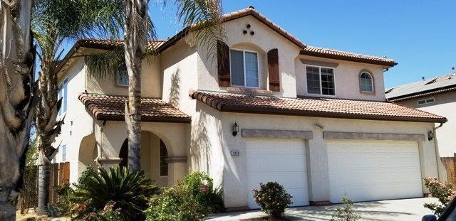 1866 W Hampton Drive, Hanford, CA 93230 (#139066) :: Robyn Graham & Associates