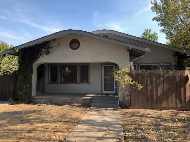 299 E Putnam Avenue, Porterville, CA 93257 (#139809) :: The Jillian Bos Team