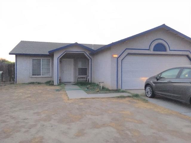 11174 Mesquite Circle, Armona, CA 93202 (#140346) :: Robyn Graham & Associates