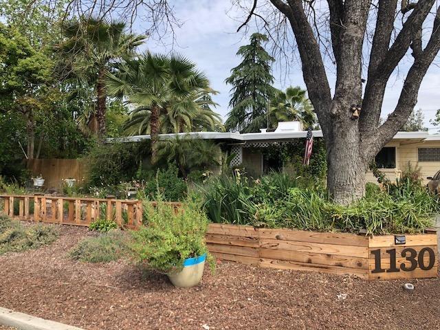 1130 W Fairmont Avenue, Fresno, CA 93705 (#140404) :: Robyn Graham & Associates
