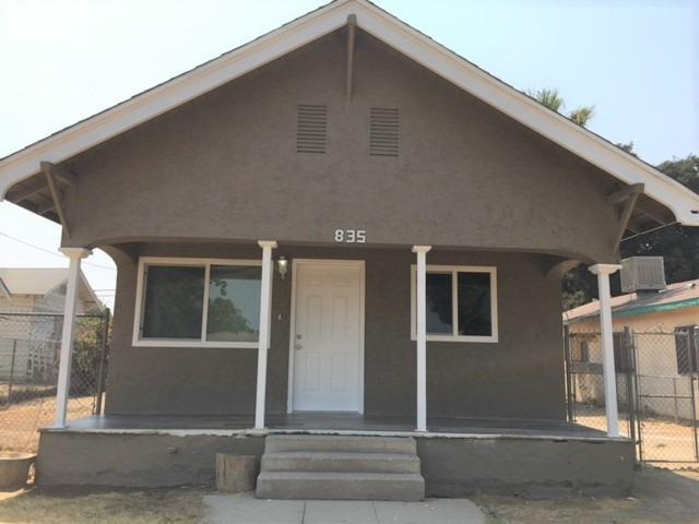835 B Street, Fresno, CA 93706 (#140498) :: Robyn Graham & Associates