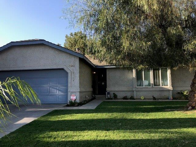 2018 E Douglas Avenue, Visalia, CA 93292 (#141133) :: The Jillian Bos Team