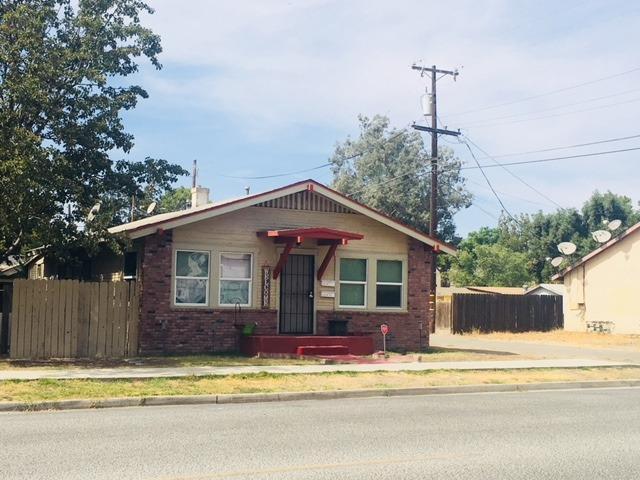 1234 Chase Avenue, Corcoran, CA 93212 (#141568) :: Robyn Graham & Associates