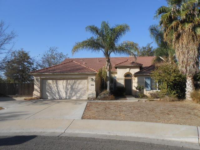 2090 W Julieann Avenue, Porterville, CA 93257 (#142024) :: Robyn Graham & Associates
