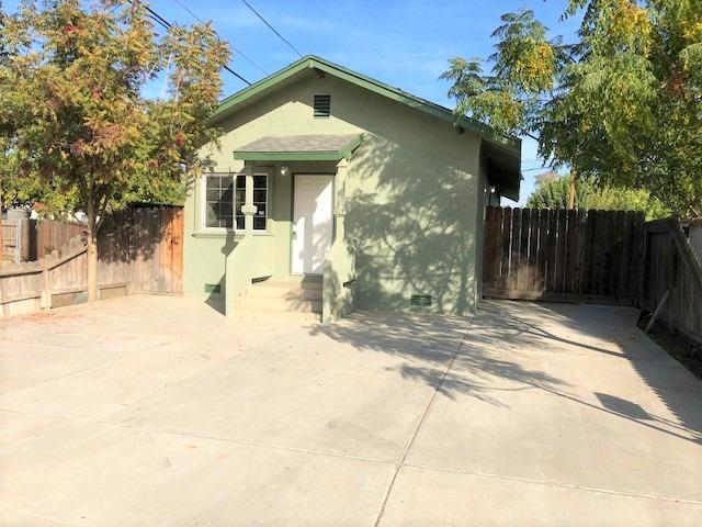 1415 Chittenden Drive, Corcoran, CA 93212 (#142117) :: Robyn Graham & Associates